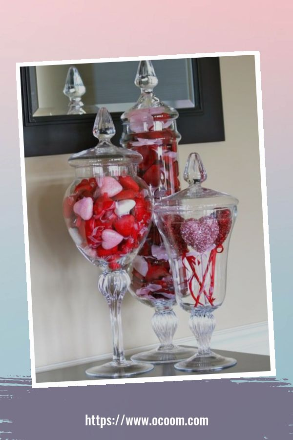20+ Fabulous Red Home Decor Ideas For Valentines Day 16