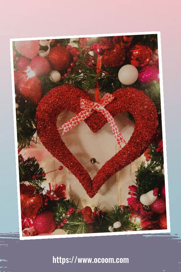20+ Fabulous Red Home Decor Ideas For Valentines Day 23