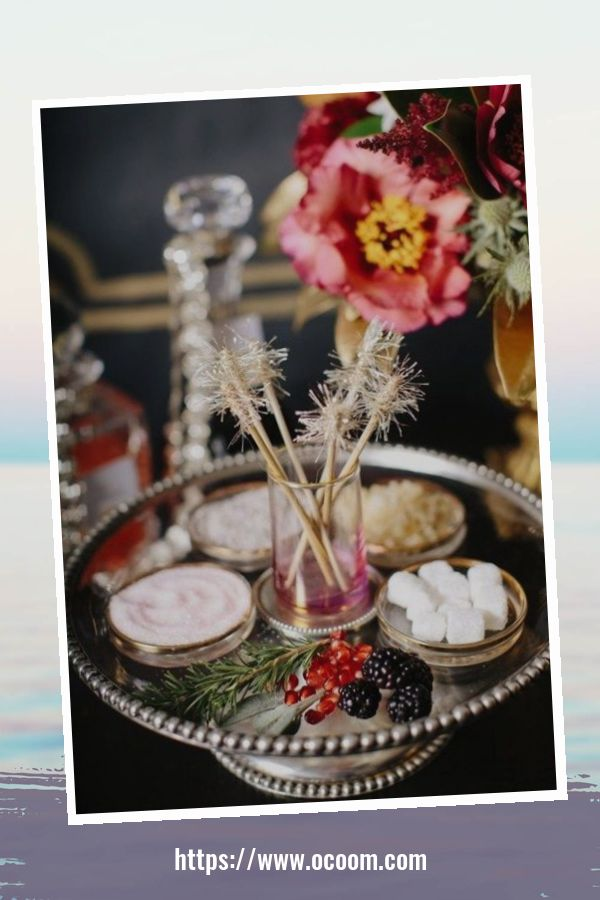 20+ Sparkling New Year's Eve Party Table Decoration Ideas 12