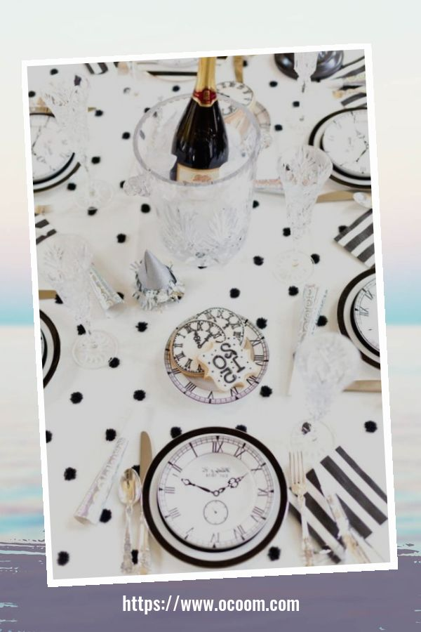 20+ Sparkling New Year's Eve Party Table Decoration Ideas 2