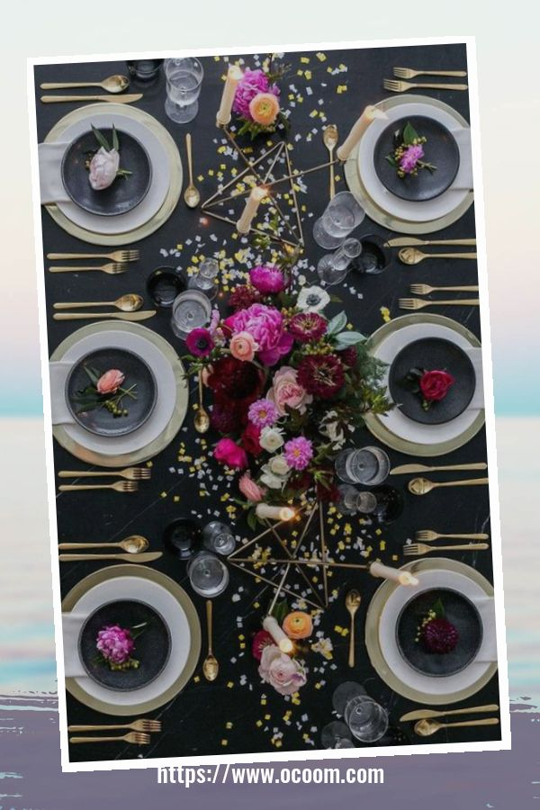 20+ Sparkling New Year's Eve Party Table Decoration Ideas 27