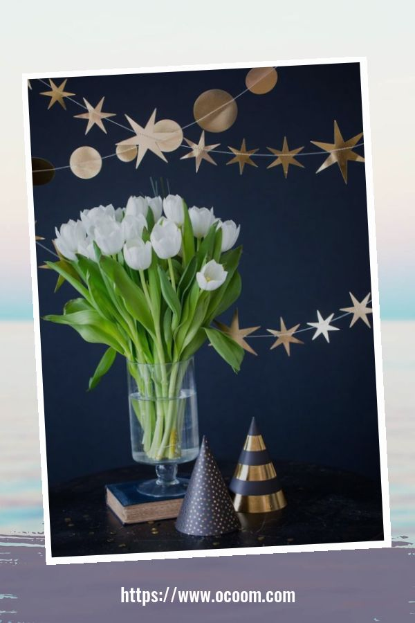 20+ Sparkling New Year's Eve Party Table Decoration Ideas 31