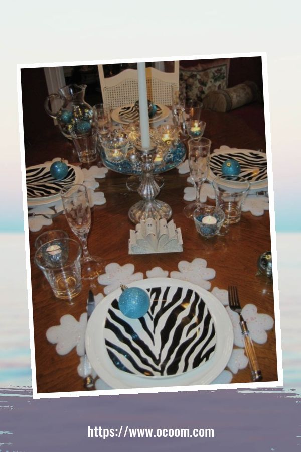 20+ Sparkling New Year's Eve Party Table Decoration Ideas 33