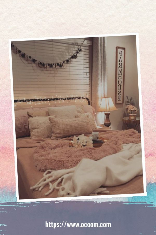 20+ Unique Red And Pink Bedroom Decor For Valentines Day 26
