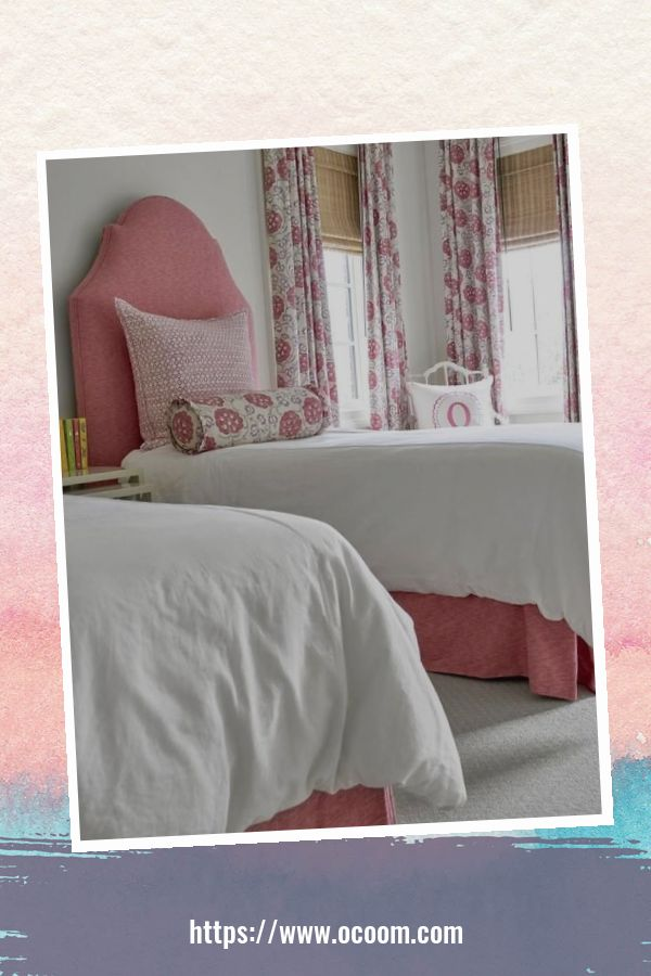 20+ Unique Red And Pink Bedroom Decor For Valentines Day 29