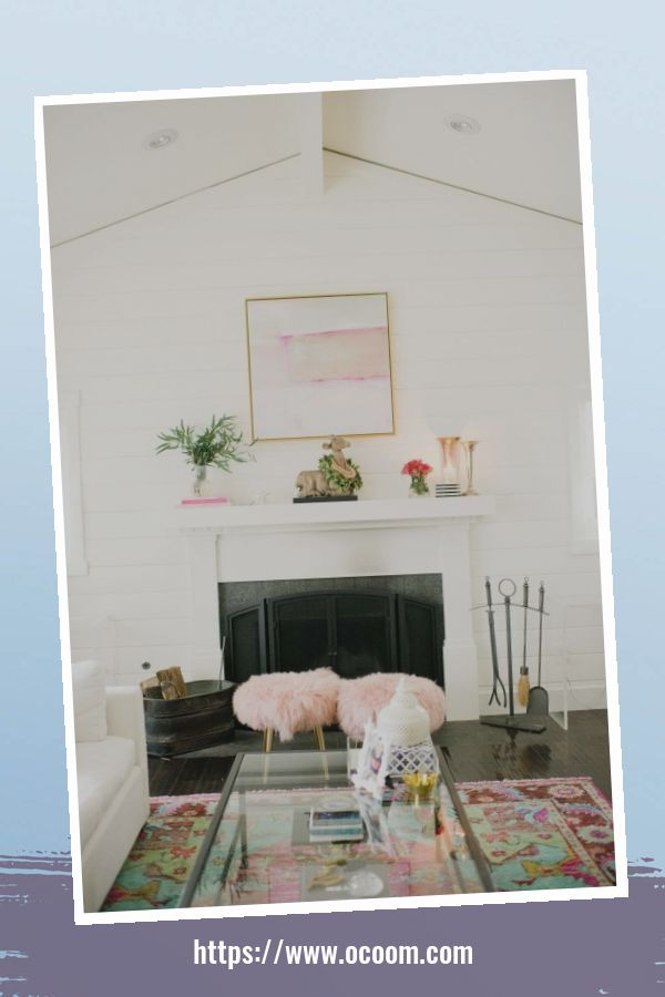 30+ Elegant Valentines Day Mantel Inspiration Ideas 17