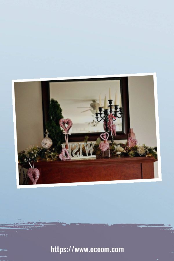 30+ Elegant Valentines Day Mantel Inspiration Ideas 29