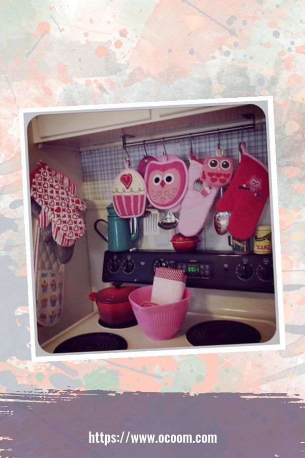 30+ Fantastic Valentines Day Decor Ideas For Your Kitchen 21