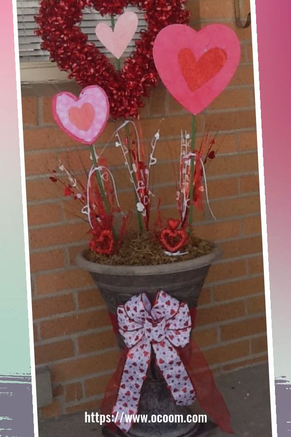 30+ Stunning Outdoor Decoration Ideas For Valentines Day 53