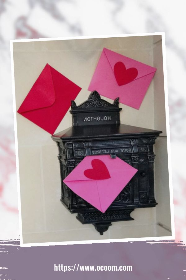 43 Best Ideas To Decorate Your Porch For Valentines Day 15