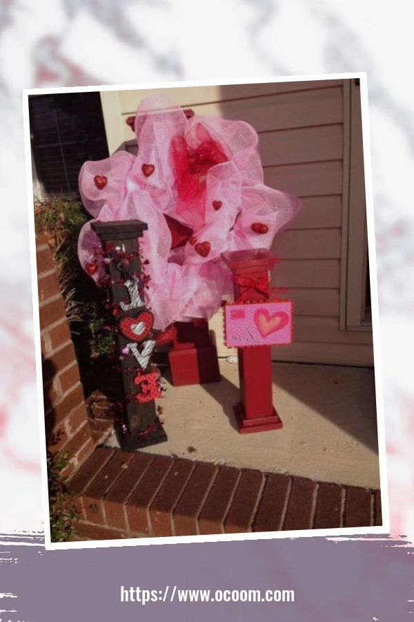 43 Best Ideas To Decorate Your Porch For Valentines Day 2