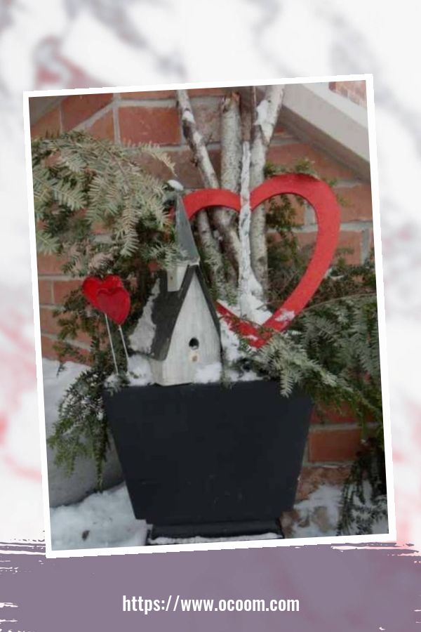 43 Best Ideas To Decorate Your Porch For Valentines Day 30