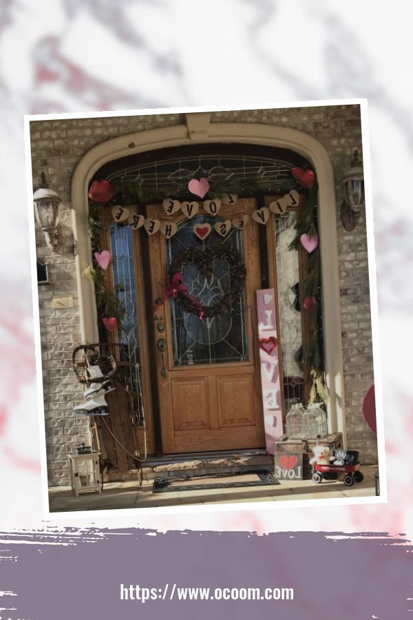 43 Best Ideas To Decorate Your Porch For Valentines Day 32